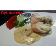 Chicken Pocket with Mashroom Sauce